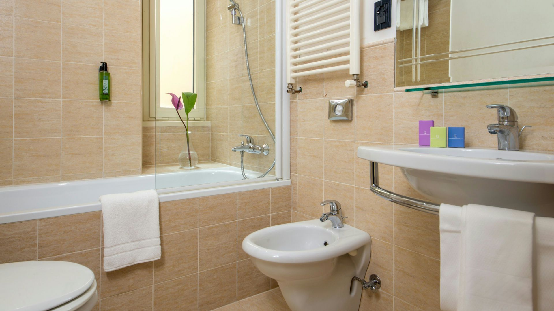 Foto-Hotel-Oxford-Roma-bagno-camera-1