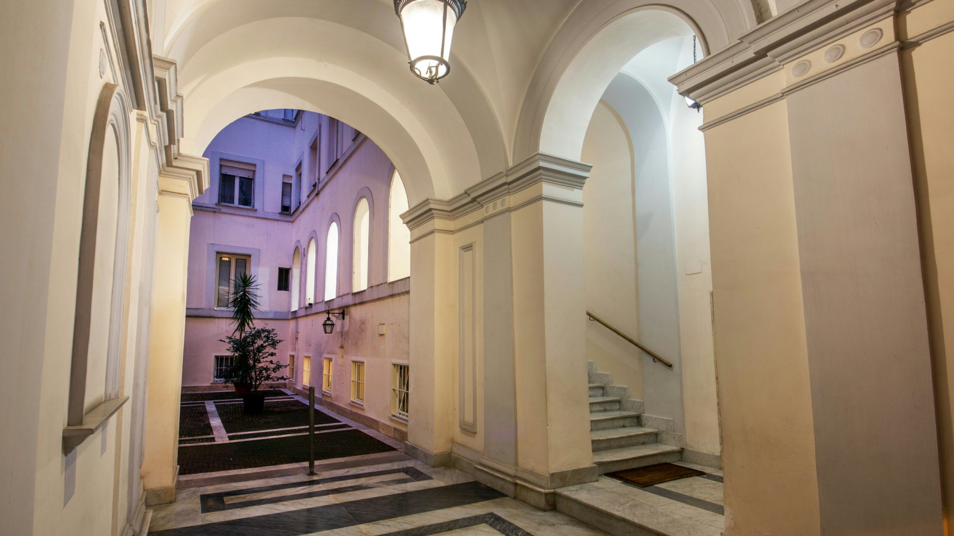 Photo-Hotel-Oxford-Rome-apartment-entrance