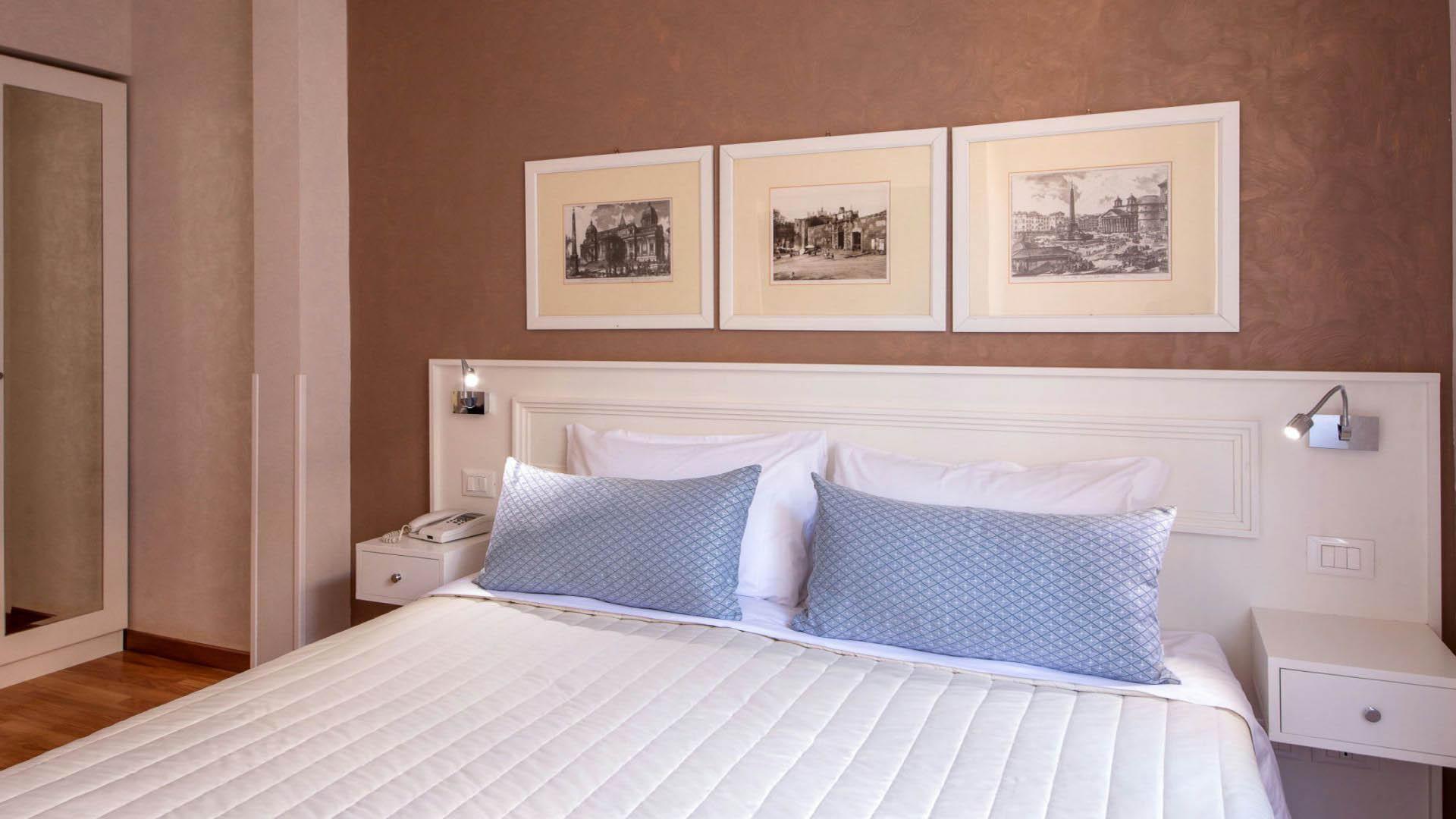 фото-отель-Оксфорд-Рим-комната-11