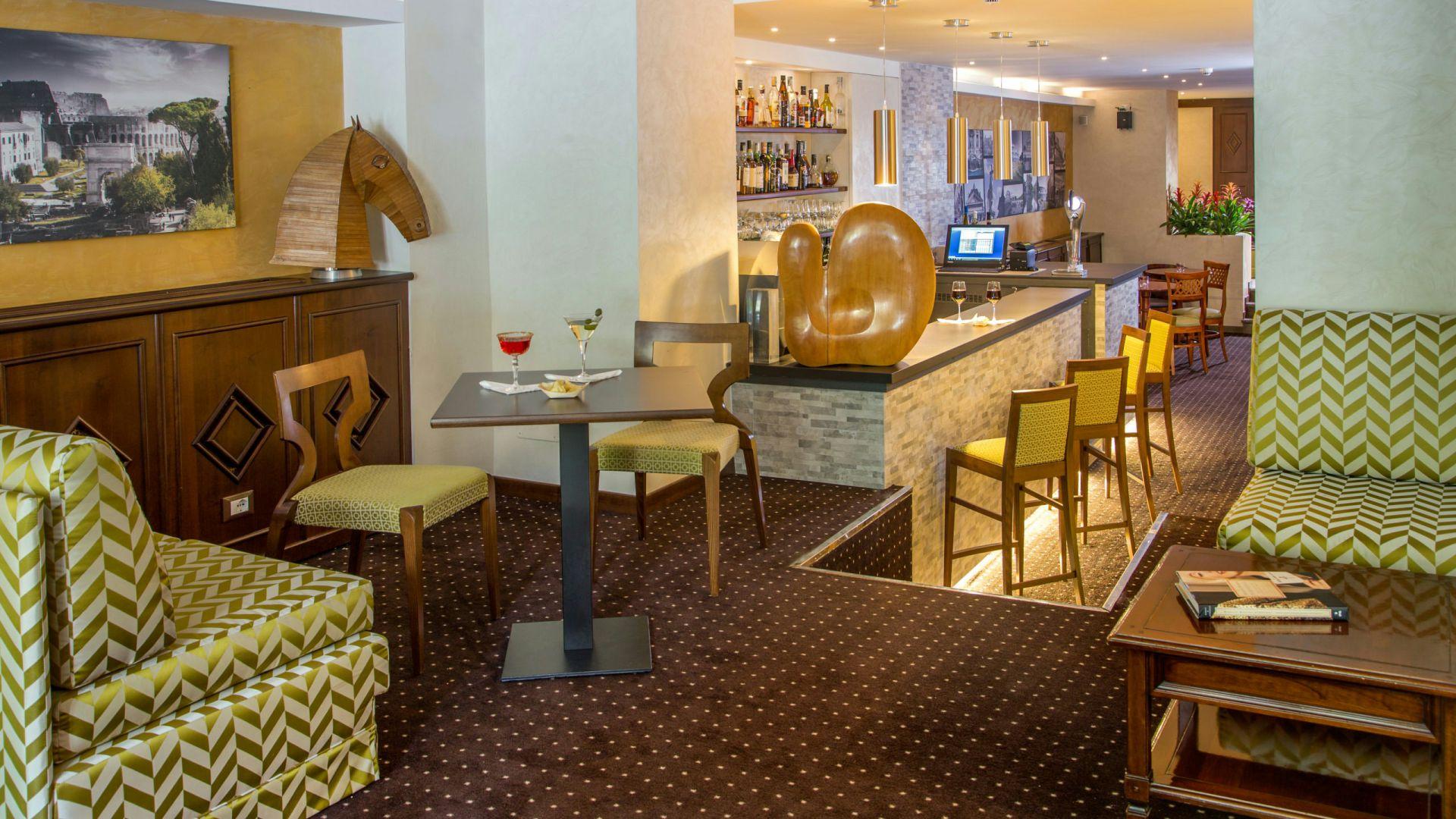 Фото-галерея-Hotel-Оксфорд-Рим-бар-1