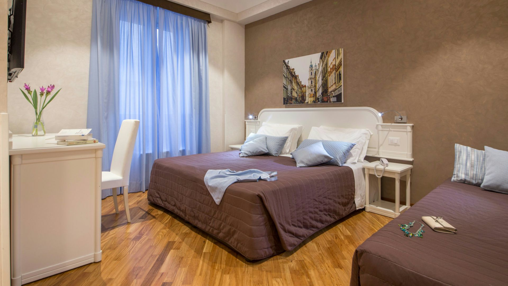Photo-Hotel-Oxford-Rome-room-16
