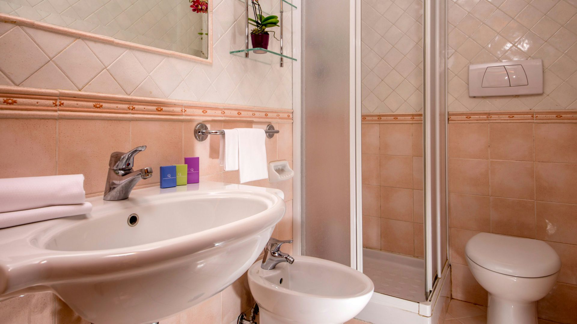 Photo-Hotel-Oxford-Rome-apartment-bathroom-2